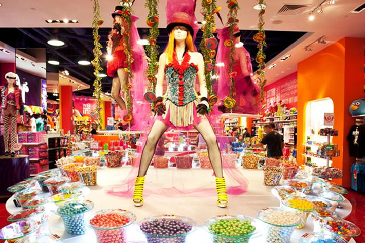 Permalink to Which Fashion Designers Daughter Owns A Famous Candy Shop